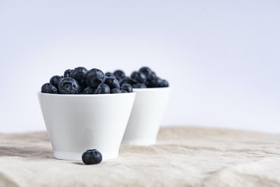 Apple's new ad for acai fruit is high sugar fruits